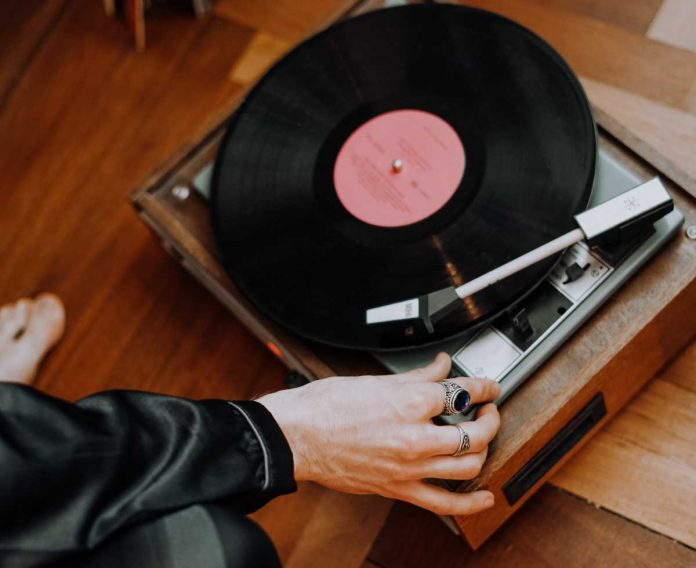 Vintage-Record-Player