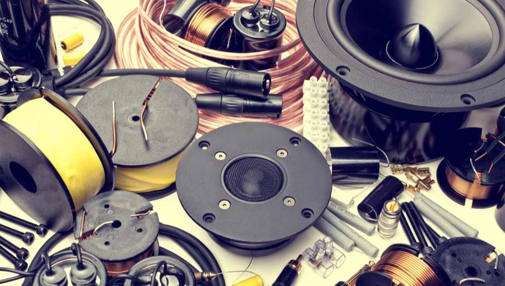 What are the parts of a speaker