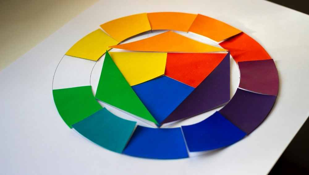 Learn the color theory by focusing on the color wheel